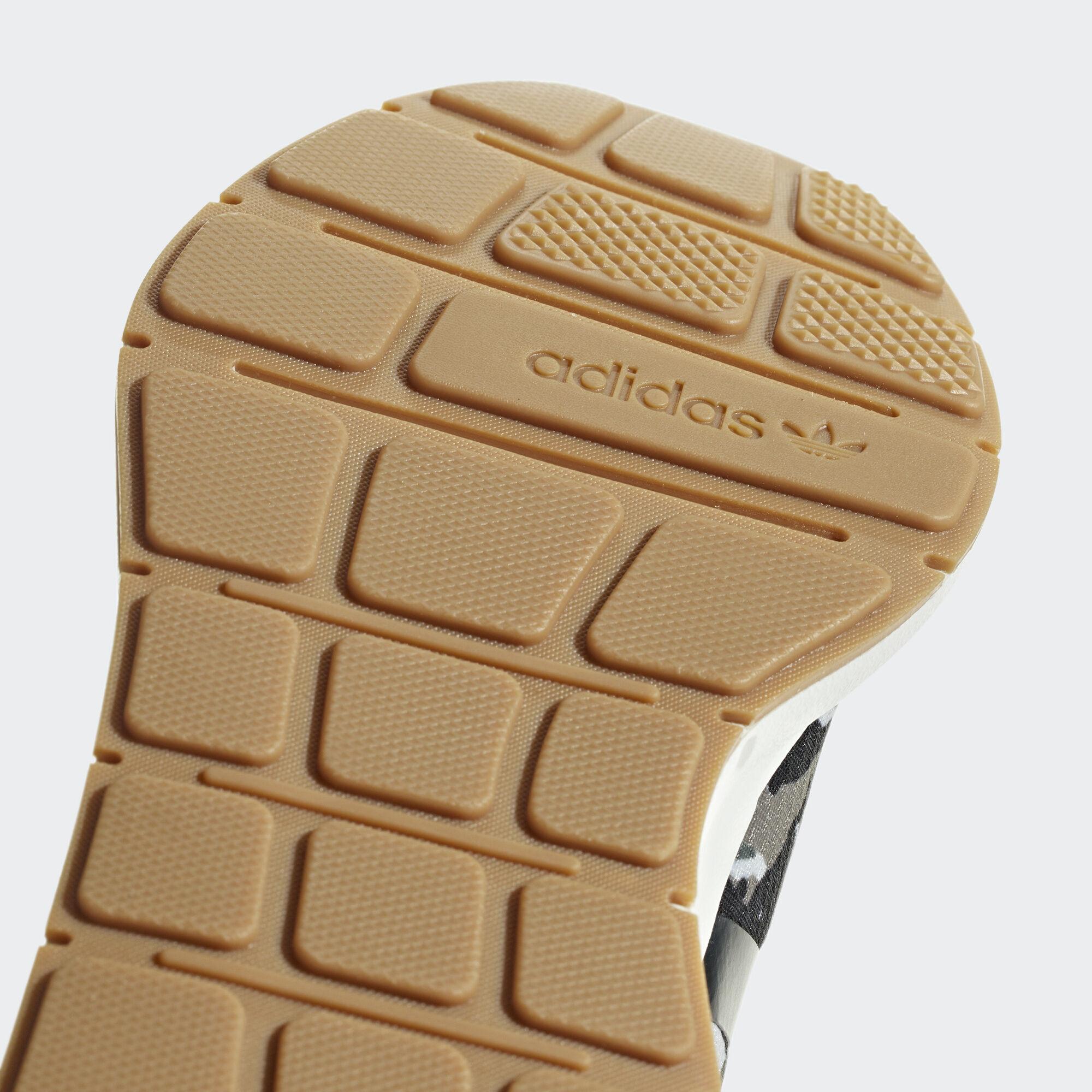 c2b3ebf308303 adidas Swift Run Barrier Shoes - Green